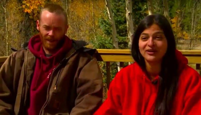 Пара нашла в горах собаку, которую хозяева уже считали умeршей
