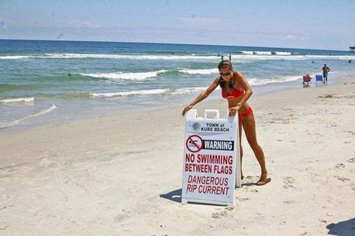 Эти люди безмятежно отдыхали на берегу моря. Они даже не подозревали, что находились в опасности…