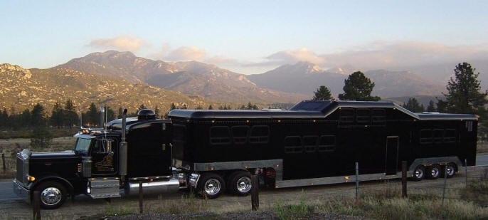 Самый большой лимузин в мире – «Midnight Rider» стоимостью 2,5 млн $. Как в нем классно!